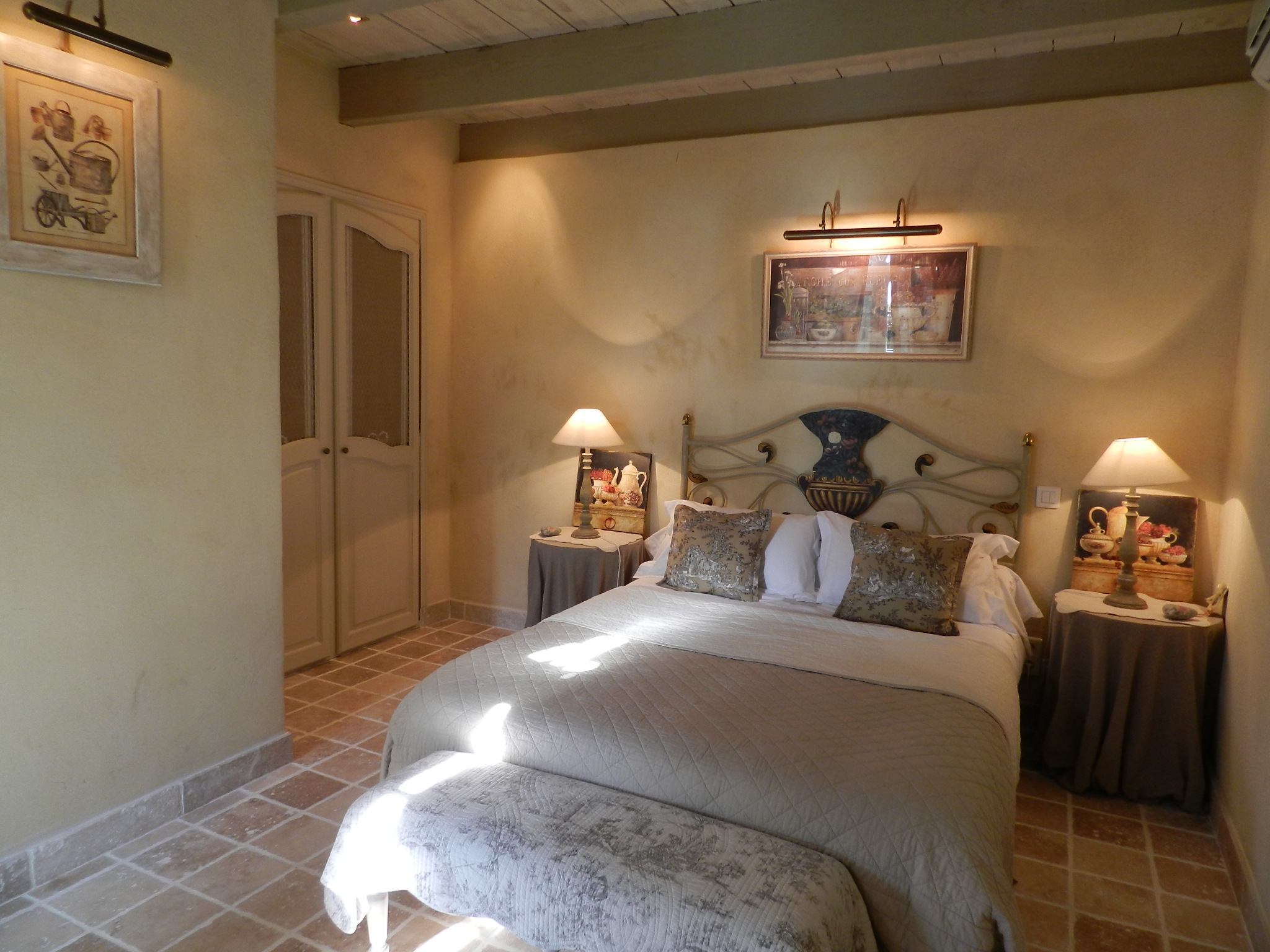 Maison d 39 h tes et chambres d 39 h tes et g te de charme en provence courthezon chambre syrah - Chambre d hote de charme provence ...