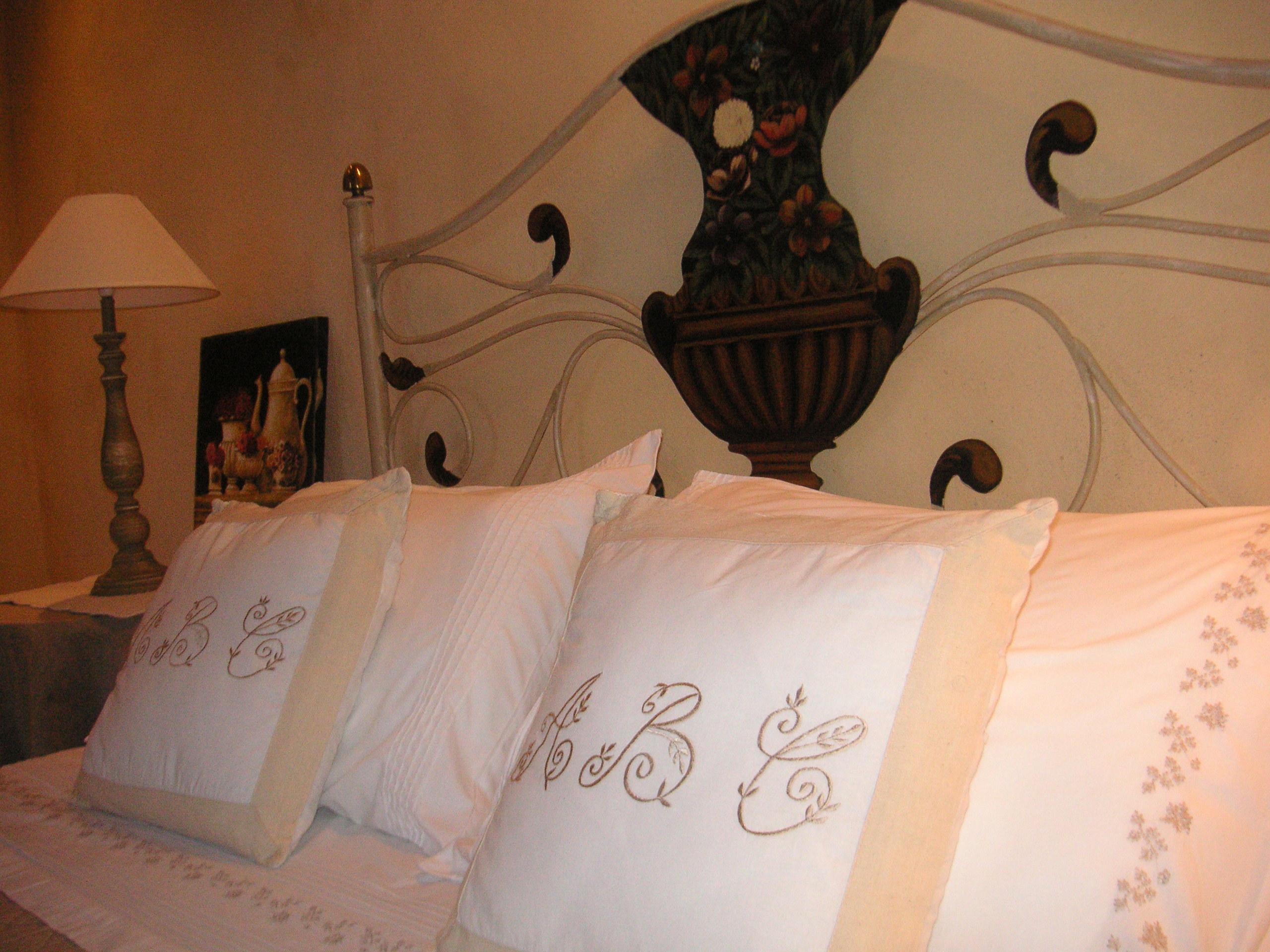 Maison d 39 h tes et chambres d 39 h tes et g te de charme en - Chateauneuf en auxois chambre d hotes ...